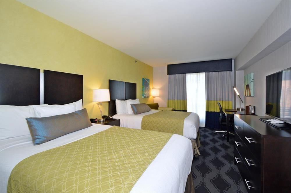Best Western Plus LaGuardia Airport Hotel Queens